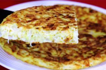 Капуста, яйца и лук – завтрак готов! Рецепт простого, но вкусного блюда 1